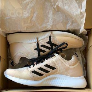 *New* Adidas Edgebounce tennis shoes